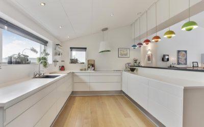 El poder del color blanco en la cocina